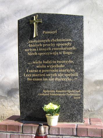 Gedenkstein zur Erinnerung an verdiente Einwohner auf dem katholischen Friefhof in Culm / Chelmno - 30. März 2008